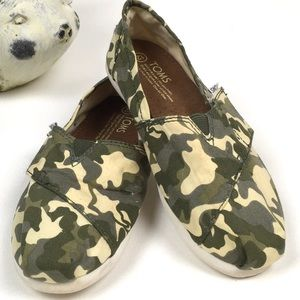 Toms Classic Toms Canvas Camo Youth Size 12